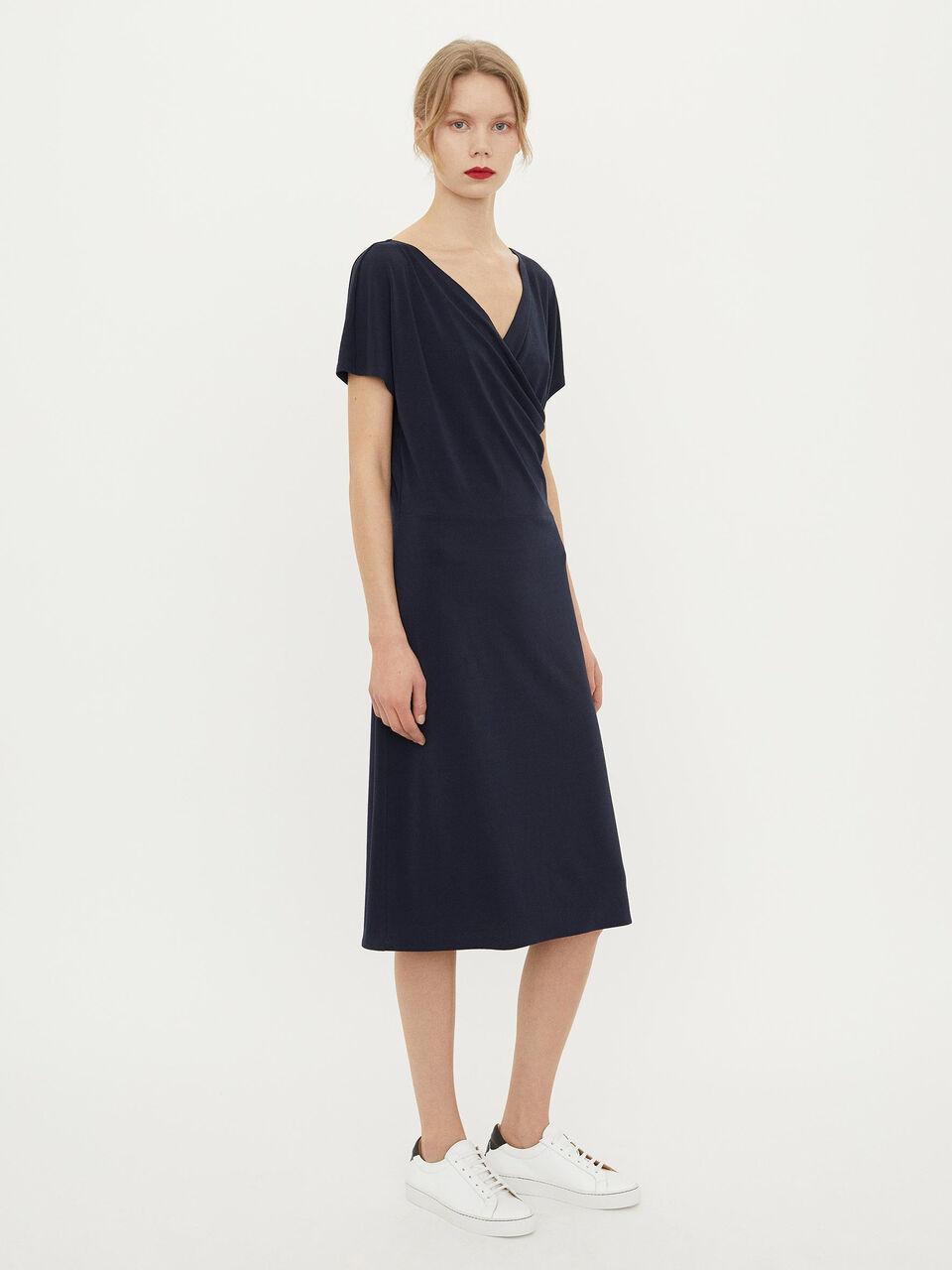 827b4bdae61 Crepe-kjole - Køb Kjoler online