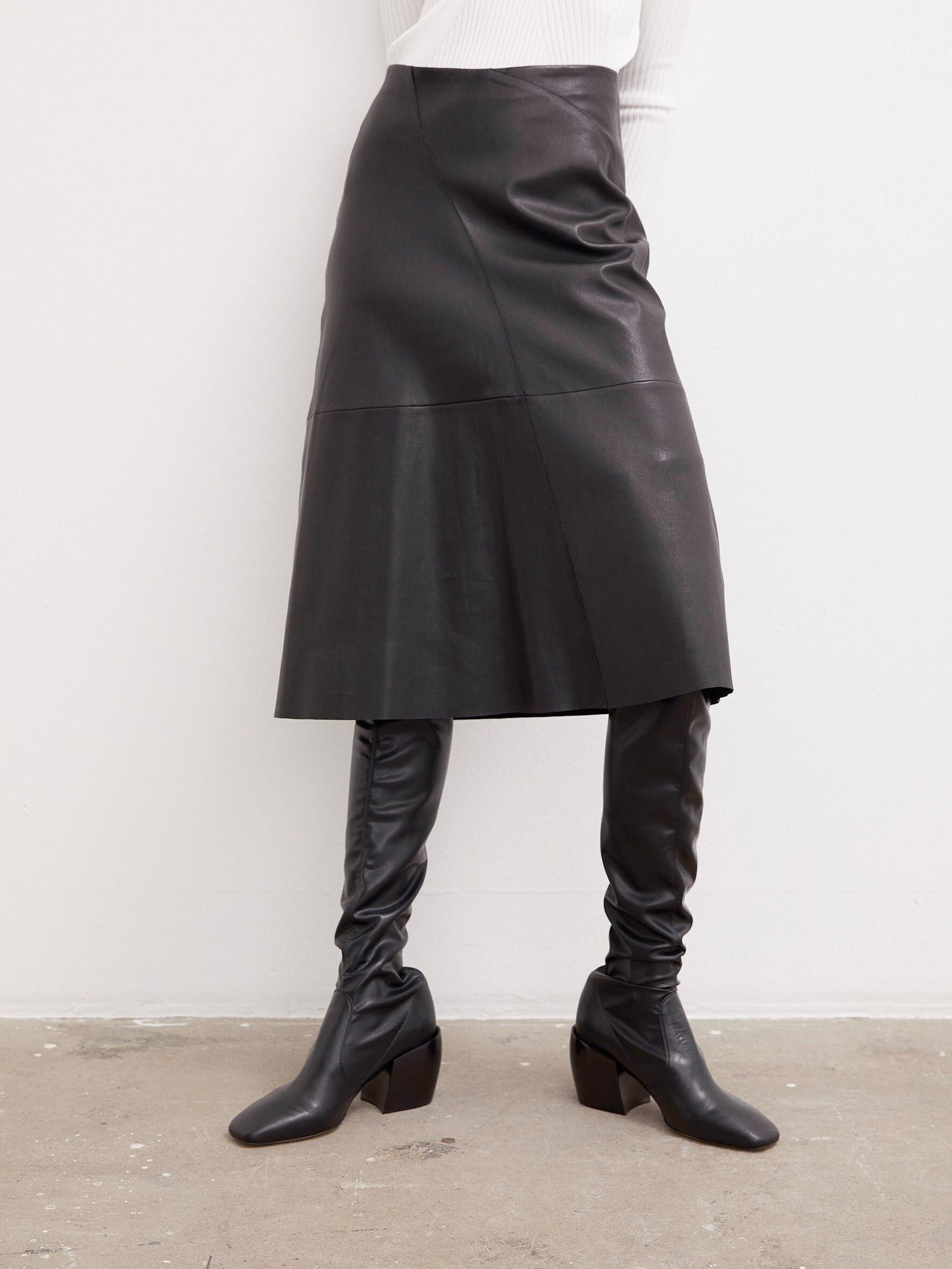 Chavelly leather skirt Köp Clothing online